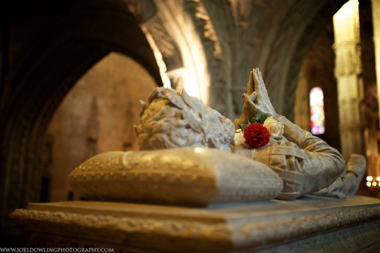 A tomb within the Jerónimos Monastery housing the mortal remains of Luís de Camões, the Portuguese Age of Discovery poet.  Lisbon, Portugal