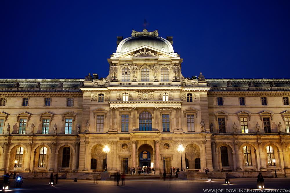 Louvre 001